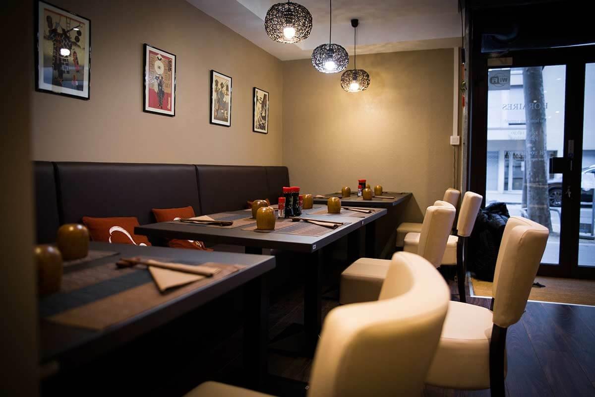 momotaro-interieur-restaurant-luxueux-et-chaleureux-ambiance-japonaise